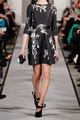 Oscar De La Renta Printed SilkFaille Dress in Black - Lyst
