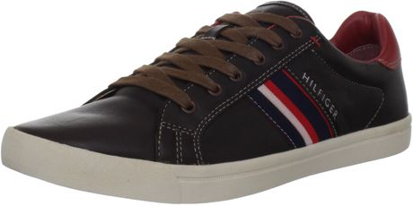Tommy Hilfiger TMens Elvi2 Sneaker in Brown for Men