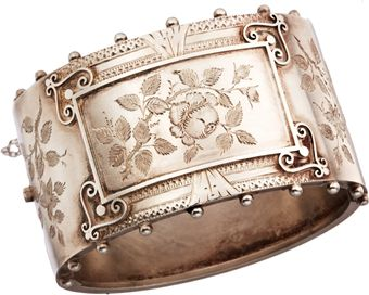 Olivia Collings Antique Jewelry Silver Floral Bangle - Lyst