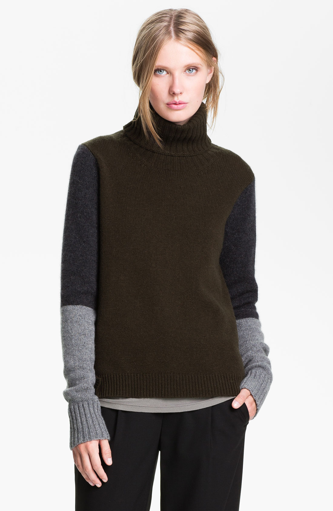 Vince Colorblock Turtleneck Sweater in Green (black willow) | Lyst