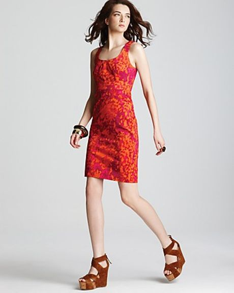 Michael Kors MICHAEL Michael Kors Fitted Seamed Dress in Red (persimmon)