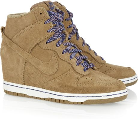 Nike Dunk Sky Hi Suede Wedge Sneakers in Brown (bamboo)
