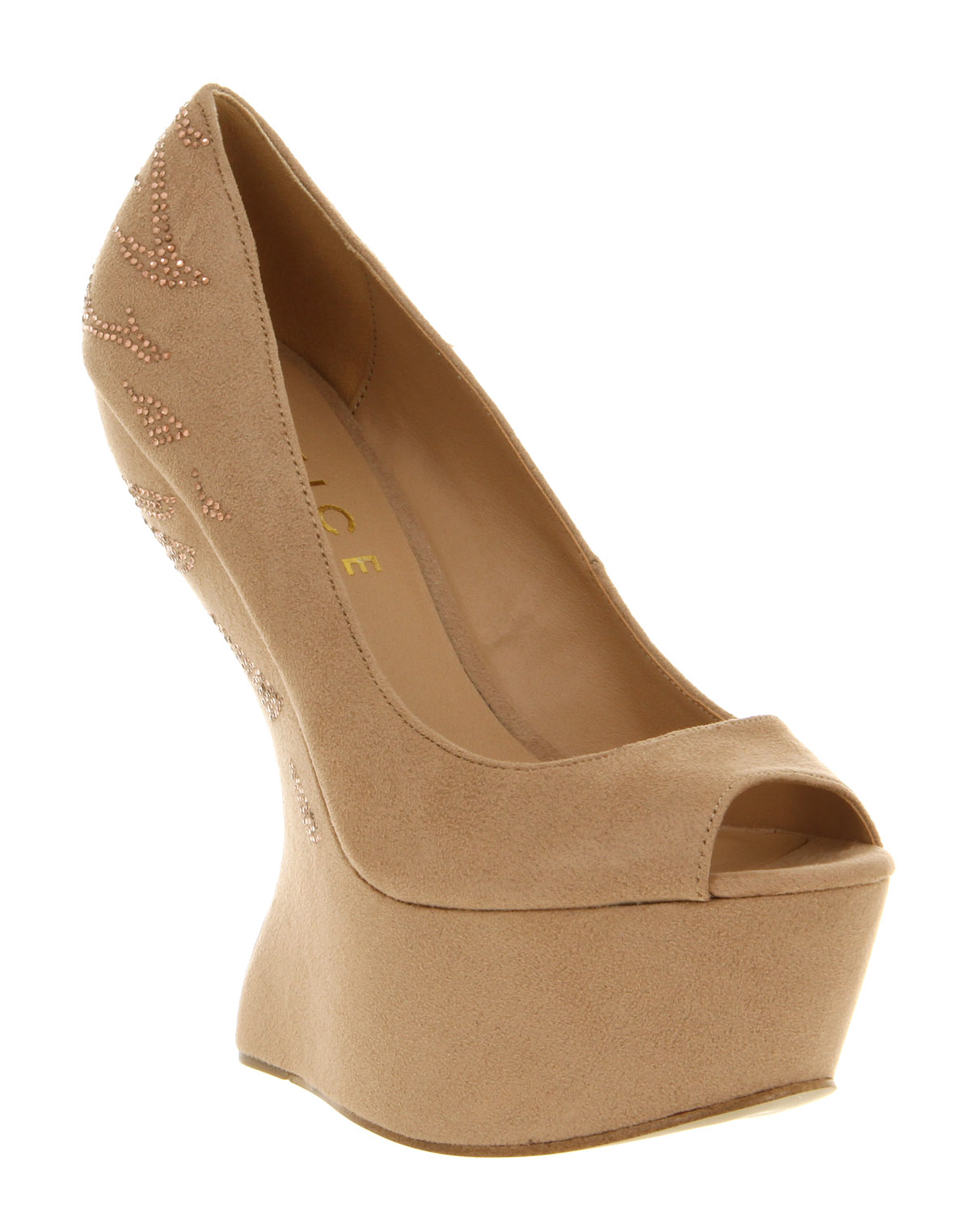 Has Anyone Of You Seen Such Wedges Anywhere? The Colour Is Not So Important    It Can Be Either Black, Red, White Or Beige As In This Picture.