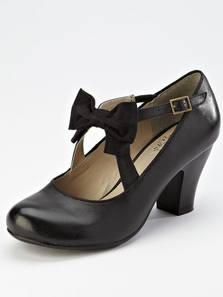 Hush Puppies® Hush Puppies Lolita Mary Jane Shoes in Black (black_leather)
