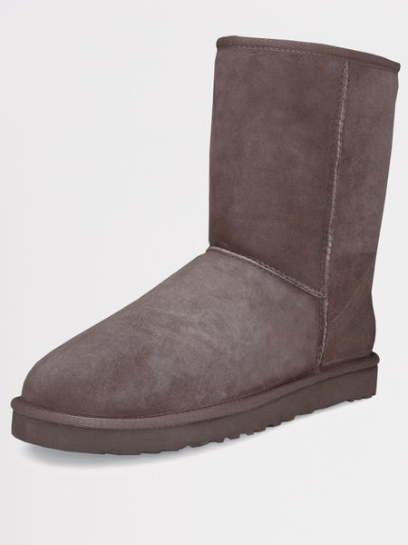 ugg ugg australia classic boots chocolate in brown