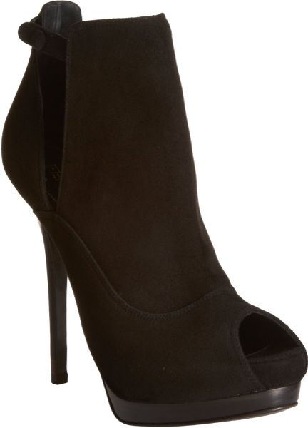 Fendi Victorian Shield Bootie in Black - Lyst