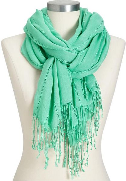 Old Navy Scarves for Women As one of the hottest feminine accessories, these trendy scarves for women from Old Navy can transform the look of any outfit. With a perfect combination of function and style, this signature collection offers a variety of silhouettes from .
