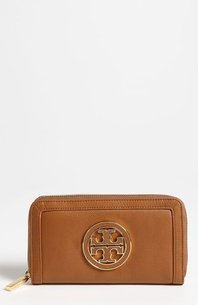 Tory Burch Amanda Continental Wallet in Brown (end of color list driftwood) - Lyst