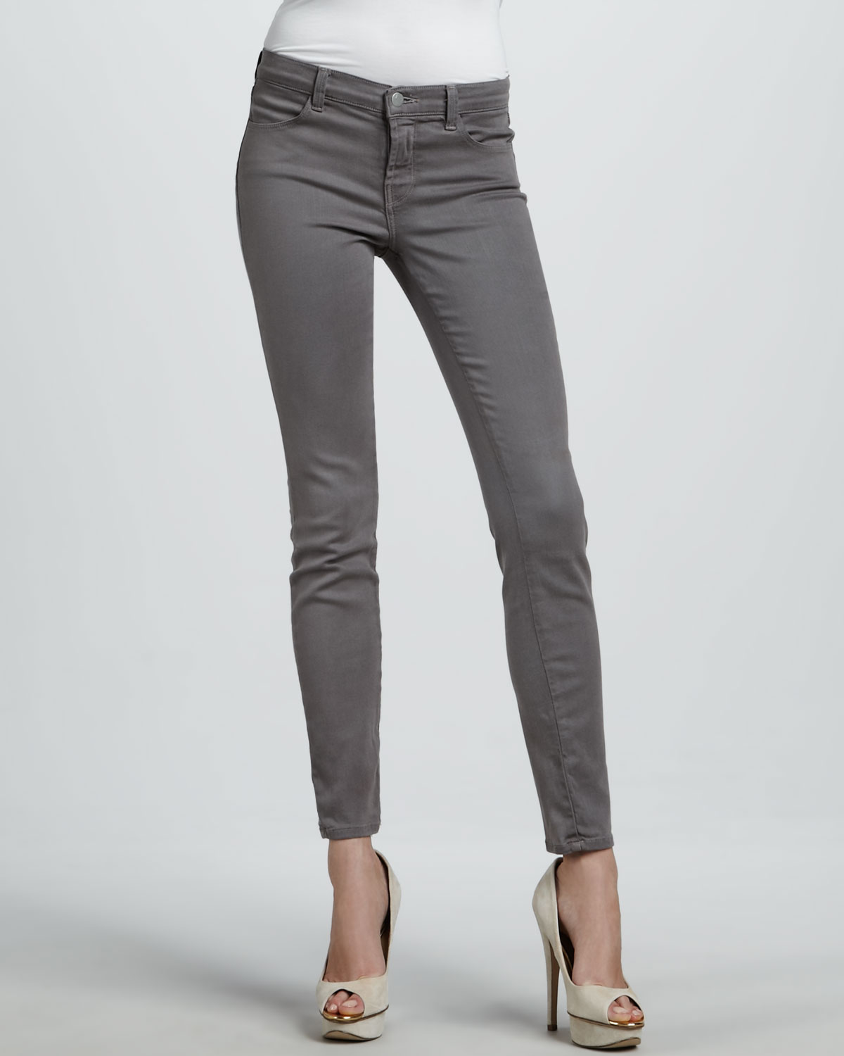 J brand 620 Warm Gray Midrise Super Skinny Jeans in Gray | Lyst