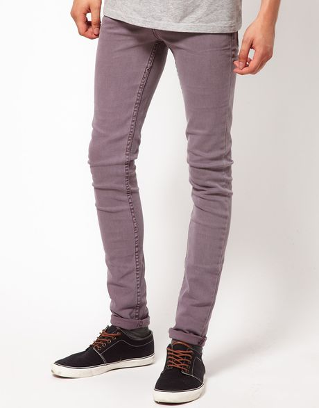 Shop your favourite pair of skinny jeans online. Our slimmest jeans are a contemporary classic to suit any style, with a low waist and super slim leg.