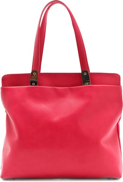 Maison Martin Margiela Leather Tote Bag in Red (strawberry)