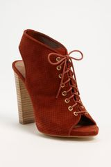 Steve Madden Valllie Pump in Brown (chestnut suede) - Lyst
