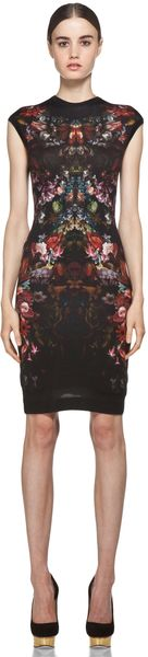 Alexander McQueen Cap Sleeve Floral Pencil Dress in Black - Lyst