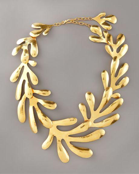 herve van der straeten coral bib necklace in gold lyst. Black Bedroom Furniture Sets. Home Design Ideas