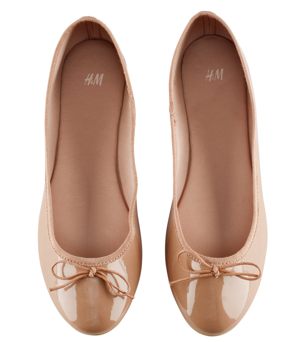 0e6dd44da92f H M Ballet Pumps in Natural - Lyst