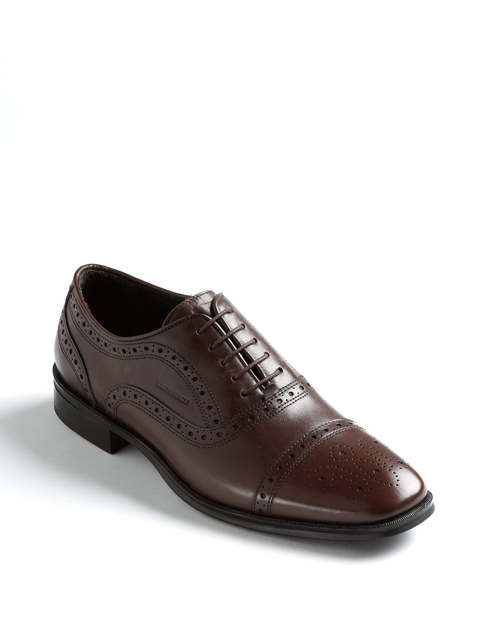 A man's shoes should never be overlooked. Sometimes they simply complete the look: it's impossible to imagine wearing a tuxedo without a pair of elegant lace-ups.