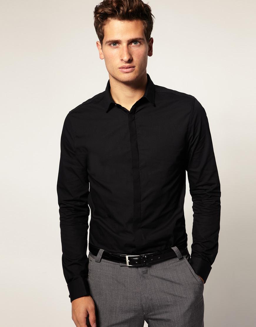 Black t shirt grey pants - Gallery