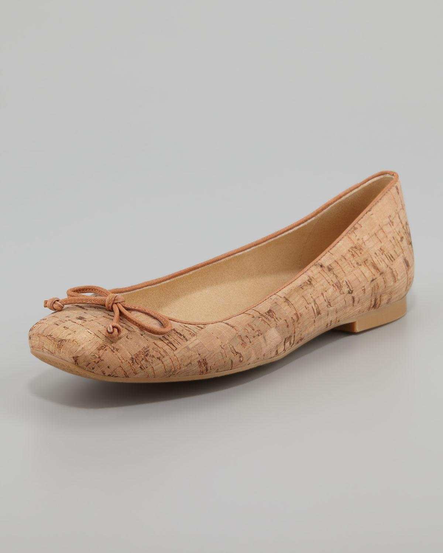 Lyst Stuart Weitzman Stringon Cork Ballerina Flat In Brown