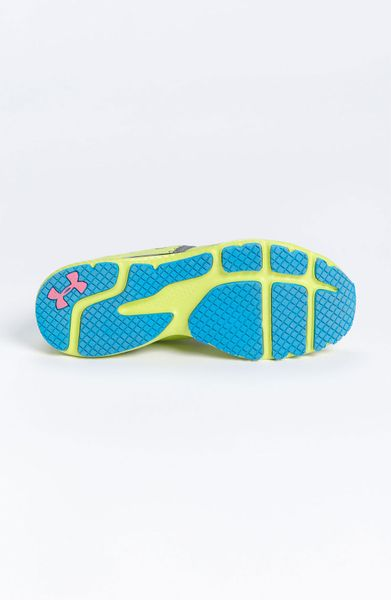 Under Armour Micro G Mantis Running Shoe Women in (bitter lime/ black