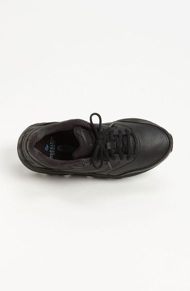 Brooks Addiction Walking Shoe in Black