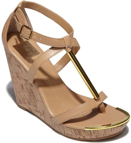 Dv By Dolce Vita Tremor Tstrap Cork Wedges in (nude stell