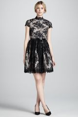 Alice + Olivia Jayna Lace Keyhole Dress