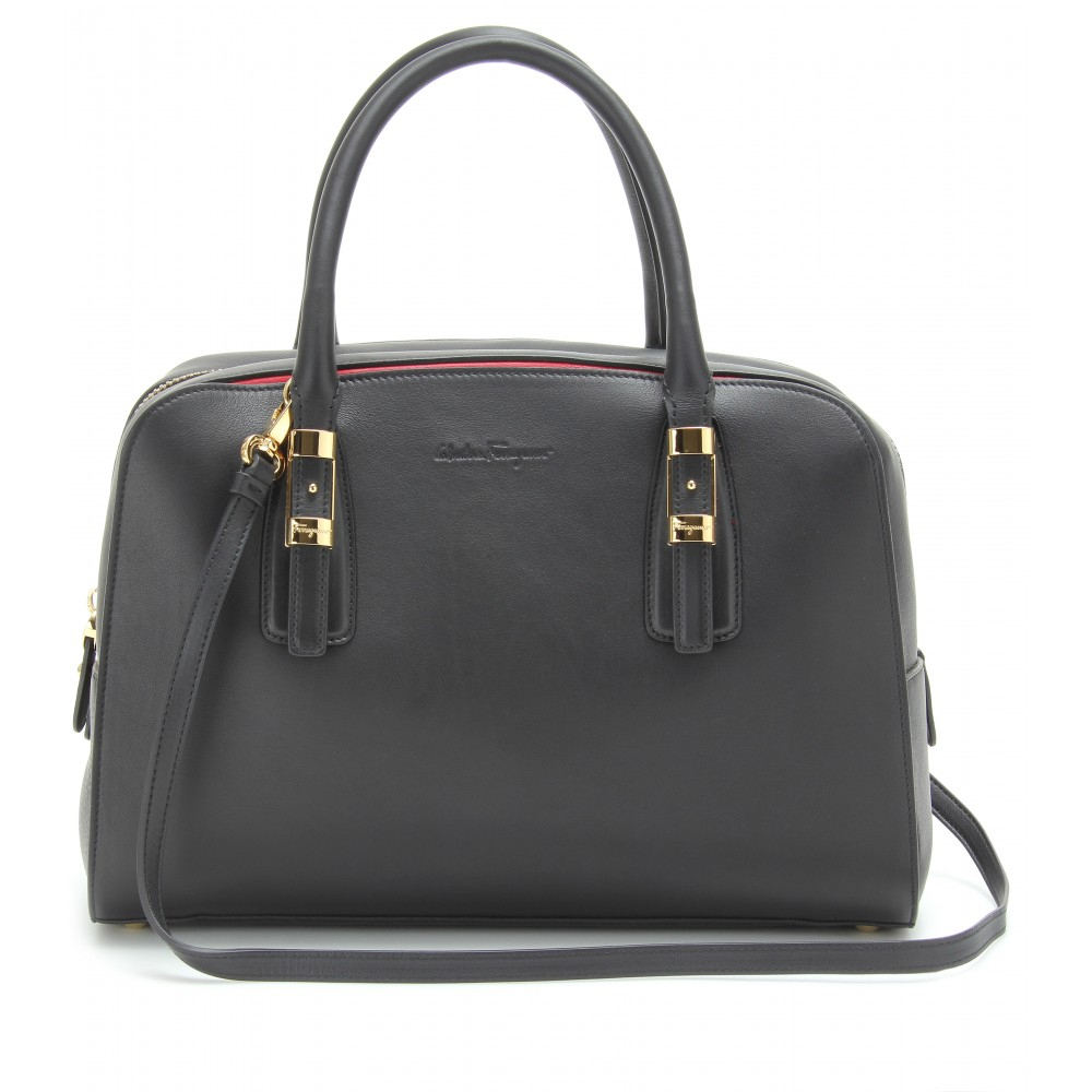 884865431fb Lyst - Ferragamo Emmy Leather Handbag in Black