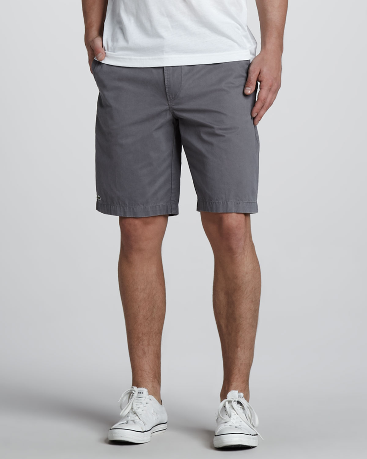 Levi's® shorts are a warm-weather essential. Keep it casual in this sleek short silhouette, constructed from stretch denim for comfort. Roll the hem for added style/5(8).