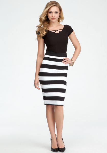 how to wear a black and white striped skirt