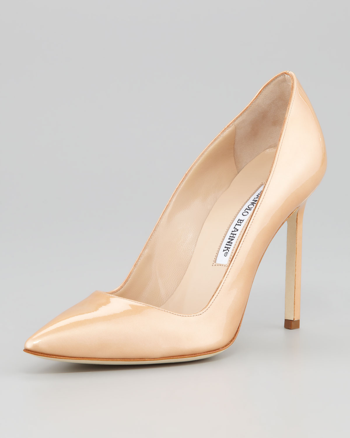 09dddd2ce41d Lyst - Manolo Blahnik Bb Pearly Patent Pump in Natural