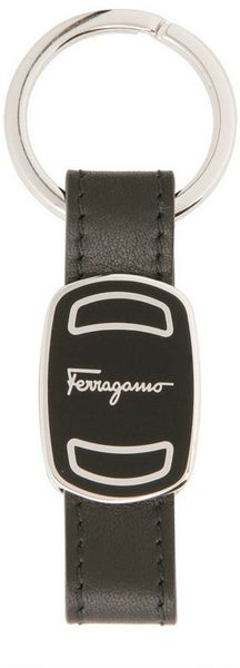 Ferragamo Ovar Leather and Brass Key Holder in Black