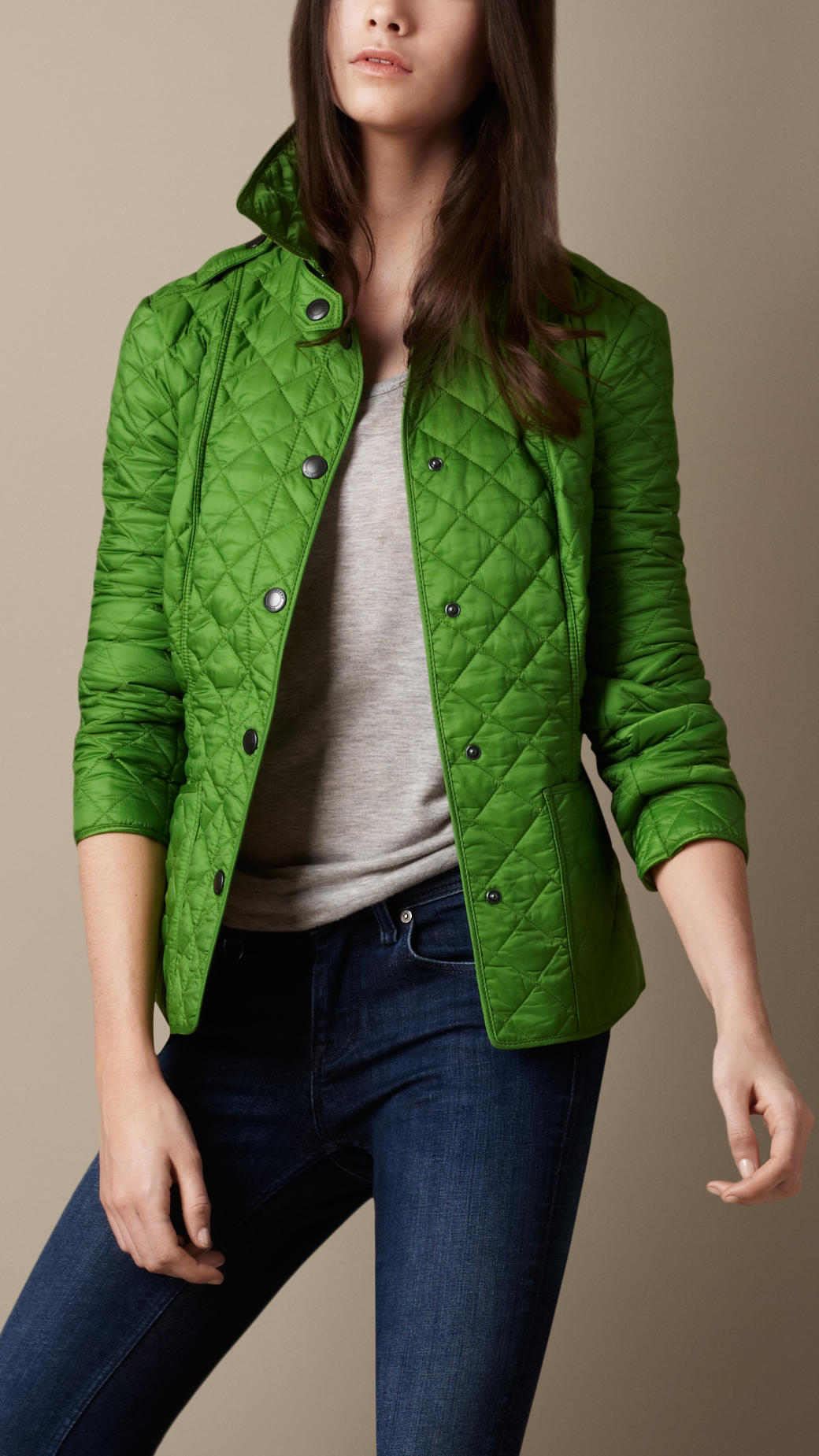 af166c53894eb Burberry Brit Cropped Quilted Jacket in Green - Lyst