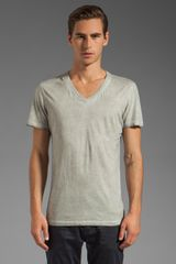 Rogue Short Sleeve V Neck Tee in Gray - Lyst