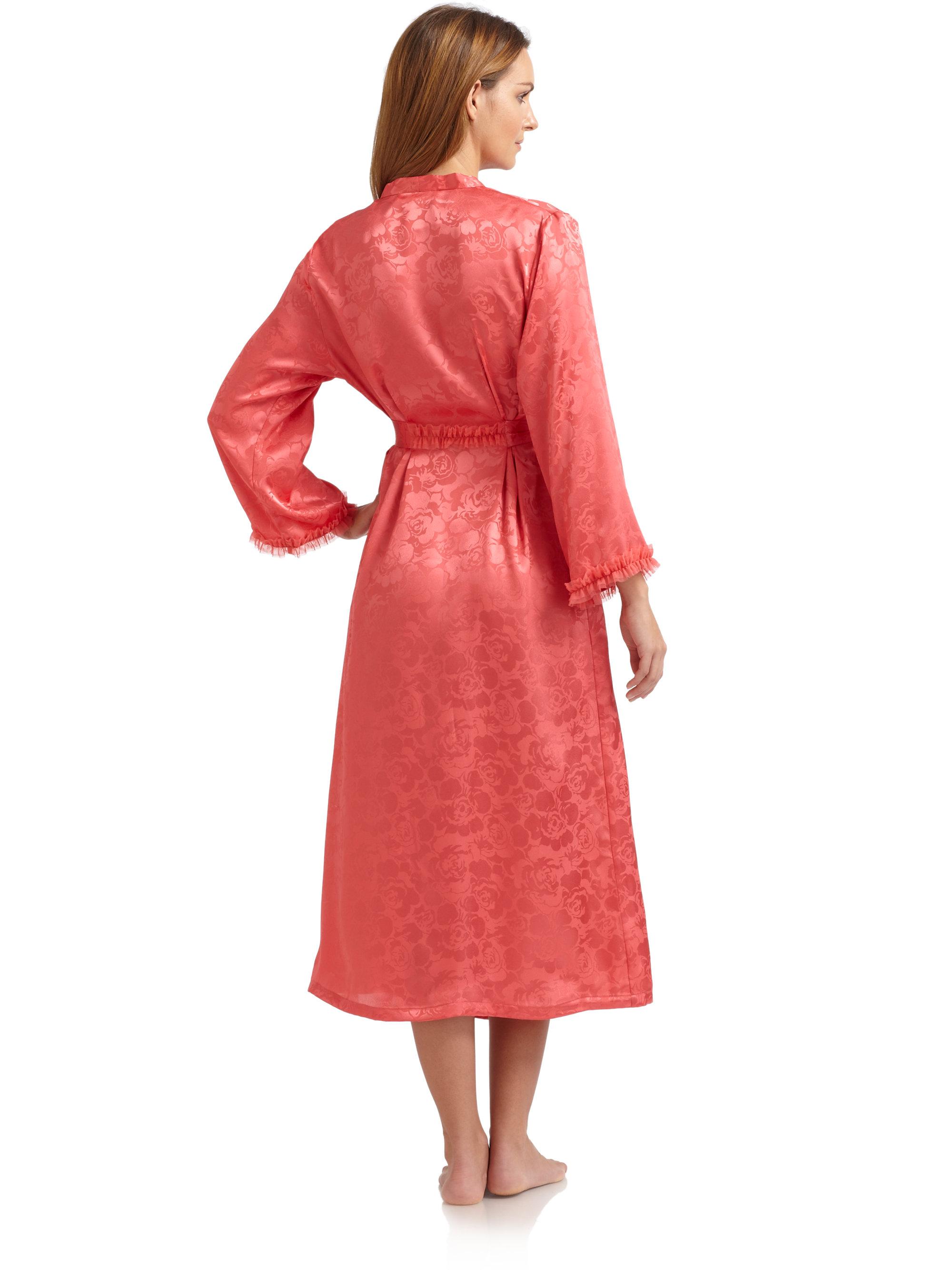 Oscar de la renta etched rose print robe in red lyst for Robes de mariage de betsey johnson
