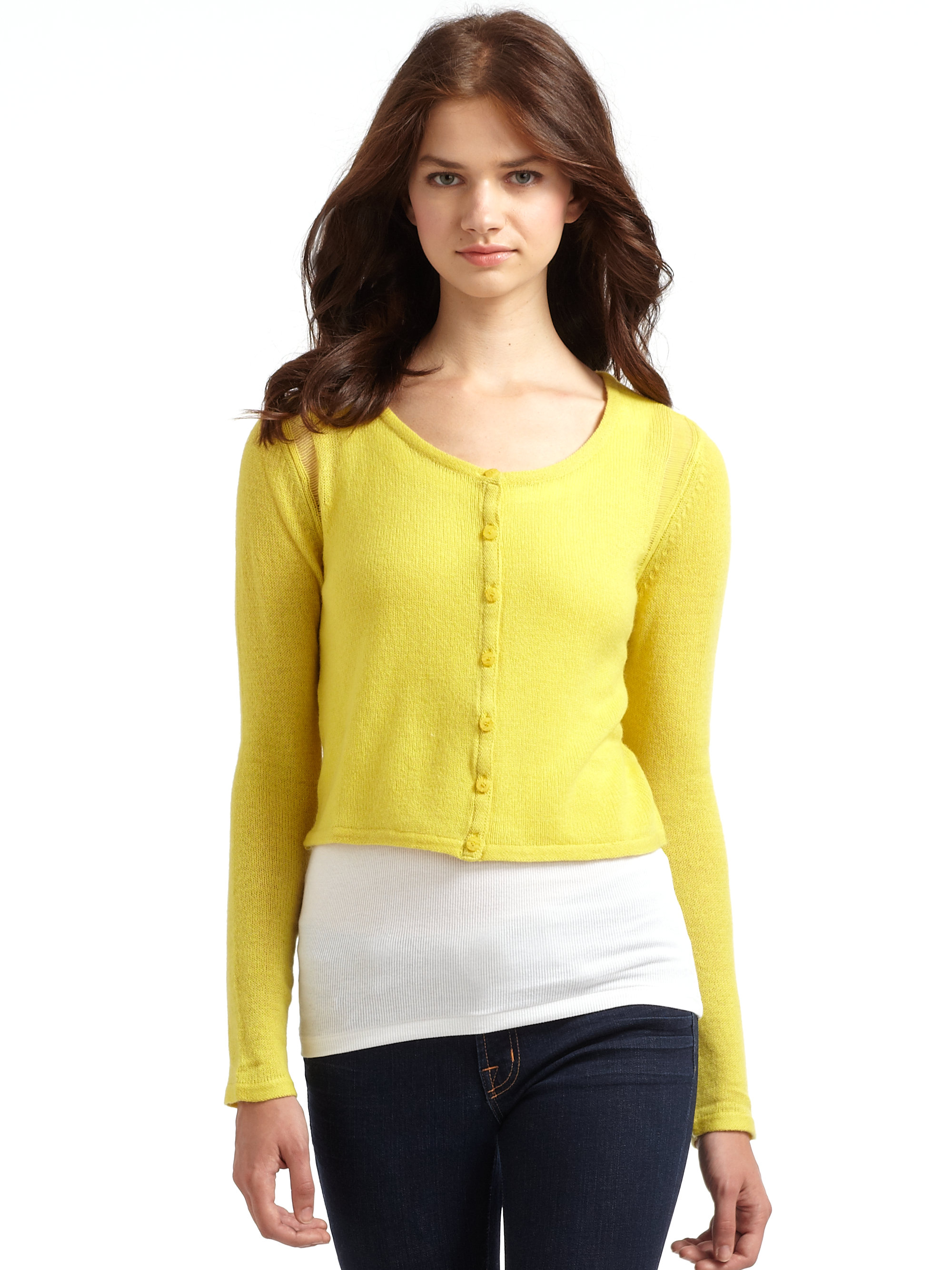 Qi Lily Cashmere Cropped Cardigan-lemon Drop in Yellow | Lyst