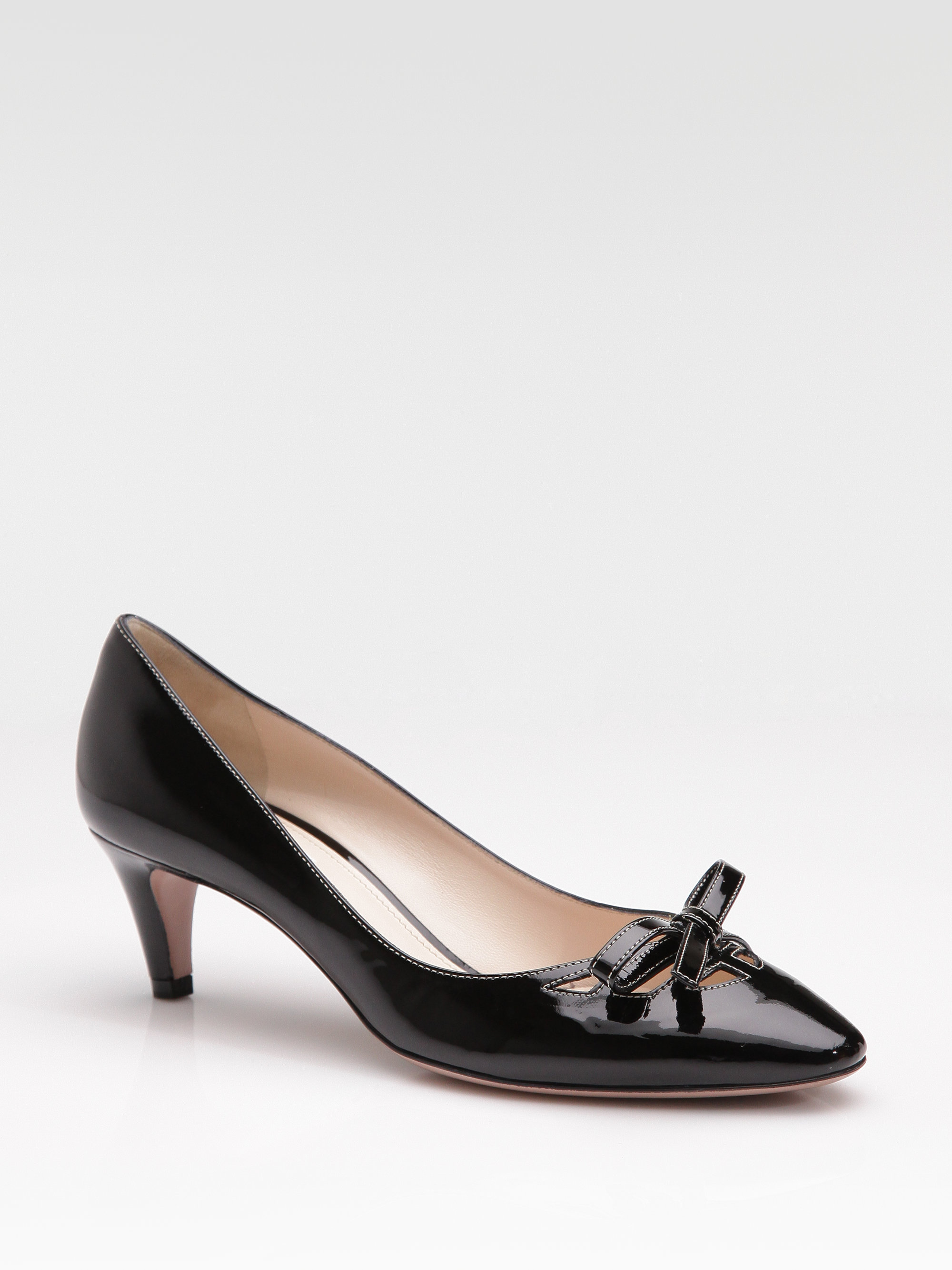 prada patent leather bow pumps in black lyst