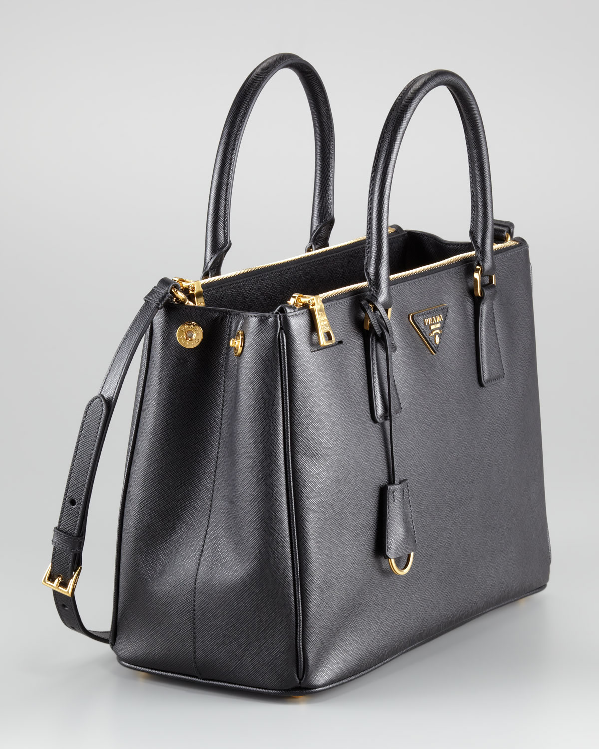 b3ba20ca47a7 Lyst - Prada Saffiano Small Executive Tote in Black