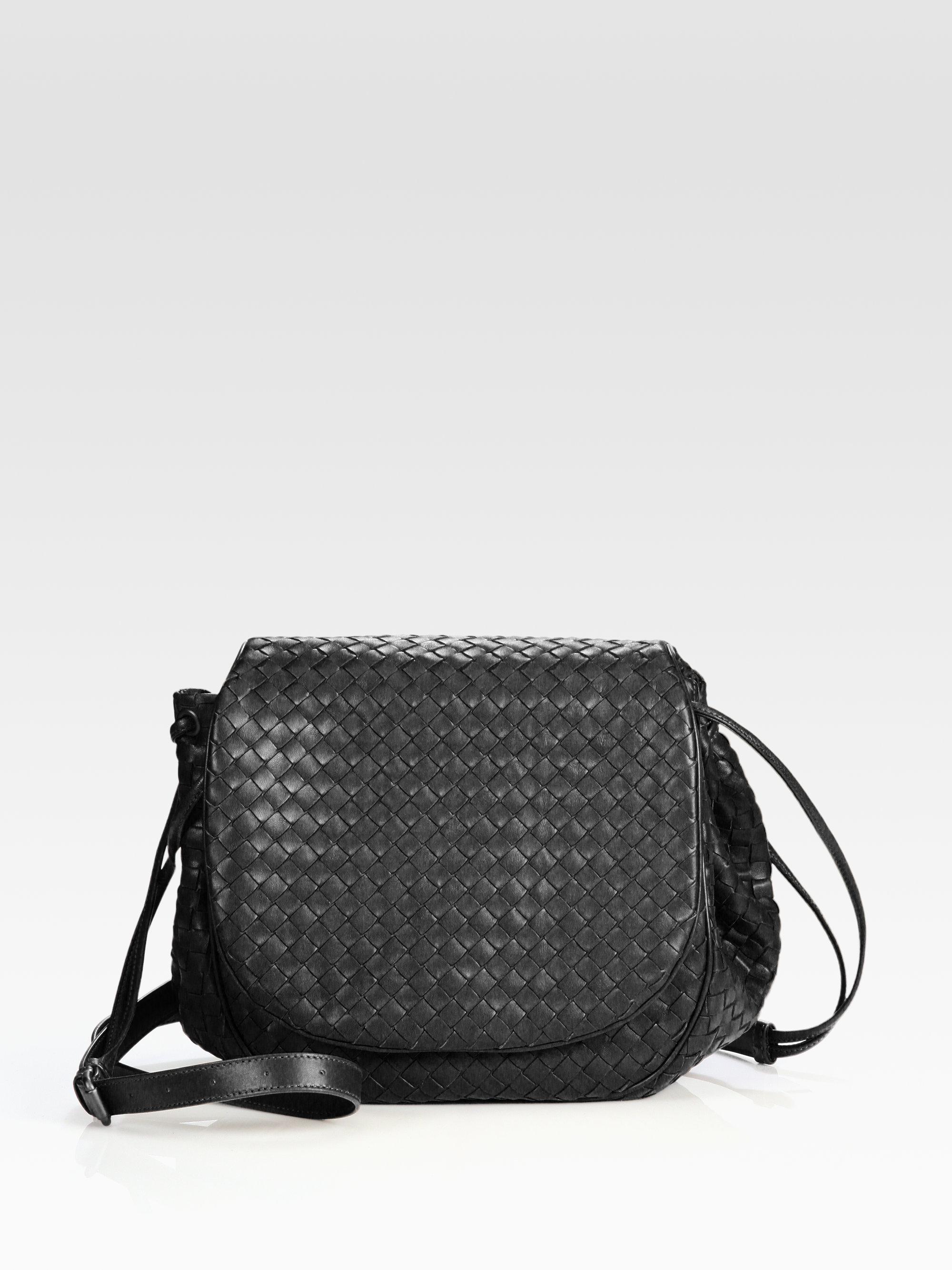 57f4270150 Bottega Veneta Flap Messenger in Black - Lyst