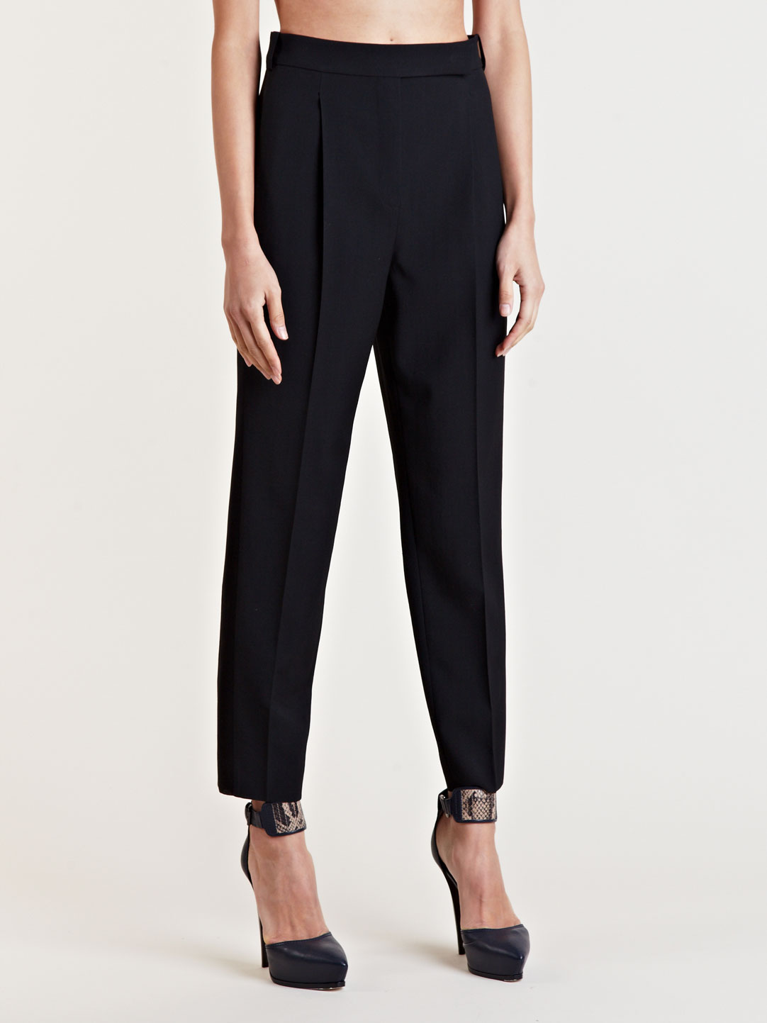 Women's staple office trousers for an elevated attire. Shop smart black trousers for an elegant office look. Next day delivery and free returns available. Tailored (4) Bootcut (3) Ankle Slim (1) Fashion (1) High Leg (1) View More. Use. Workwear () Casual (38) Occasionwear (8) Made With.