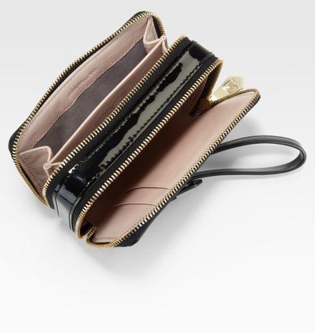 Double Zip Wristlet in Leather Double Zip Wristlet in