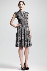 Alexander McQueen Lace Jacquard Shortsleeve Circle Dress - Lyst