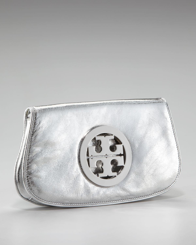 9492ce085ae0 Lyst - Tory Burch Metallic Logo Clutch with Chain in Metallic
