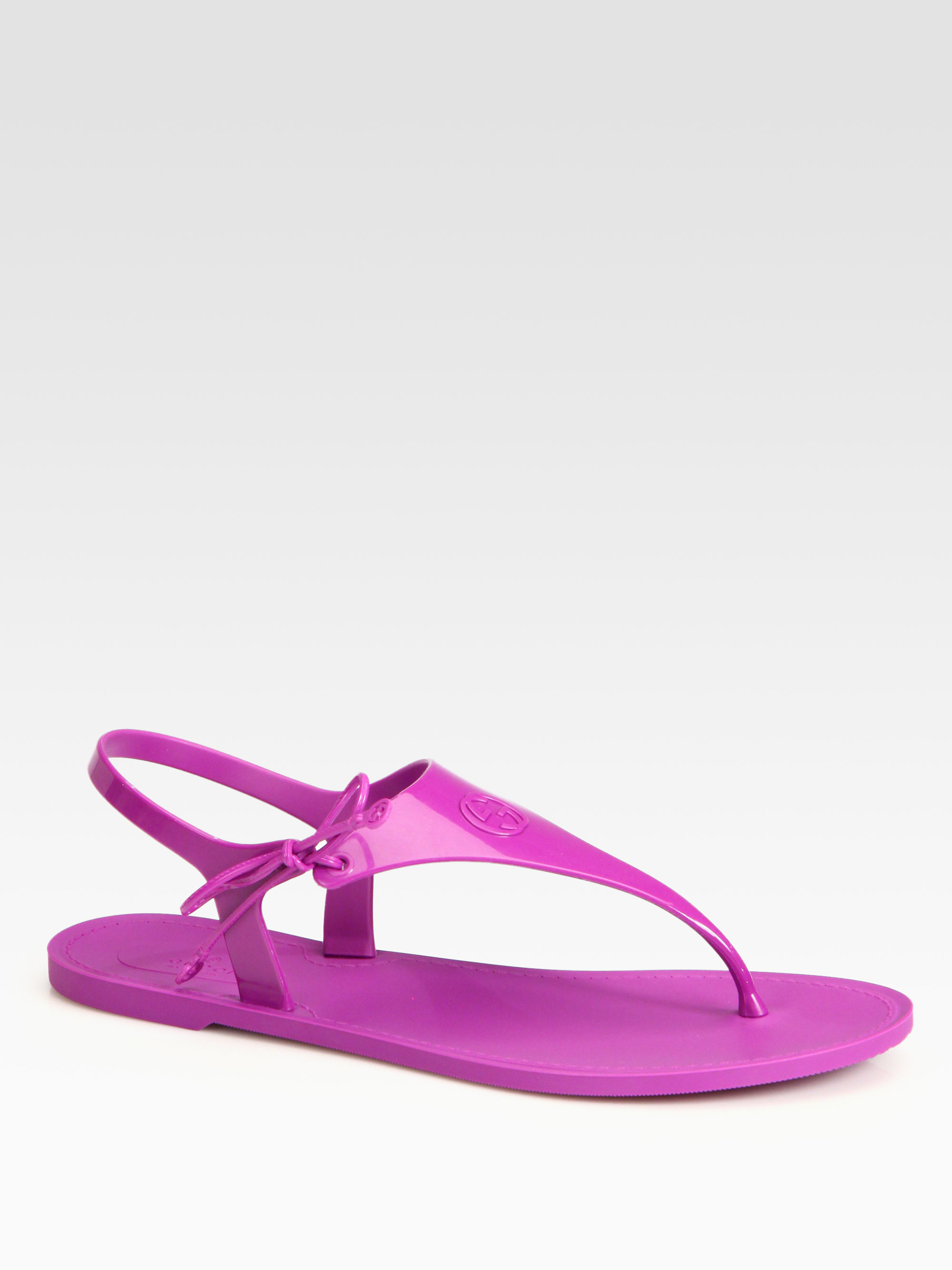 3f43e3fcea05 Lyst - Gucci Katina Rubber Thong Sandals in Purple