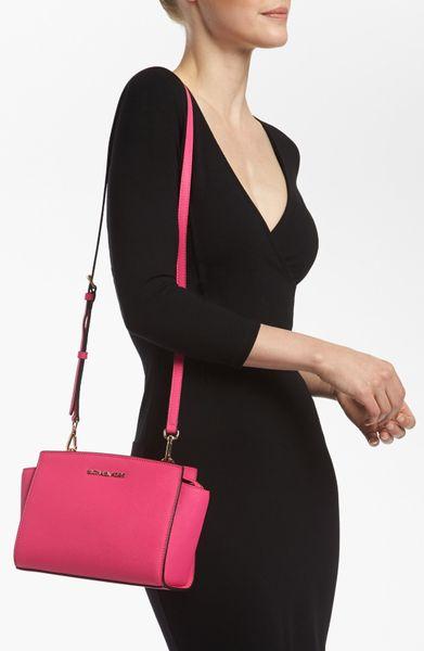 Michael Kors Selma Medium Shoulder Bag 17