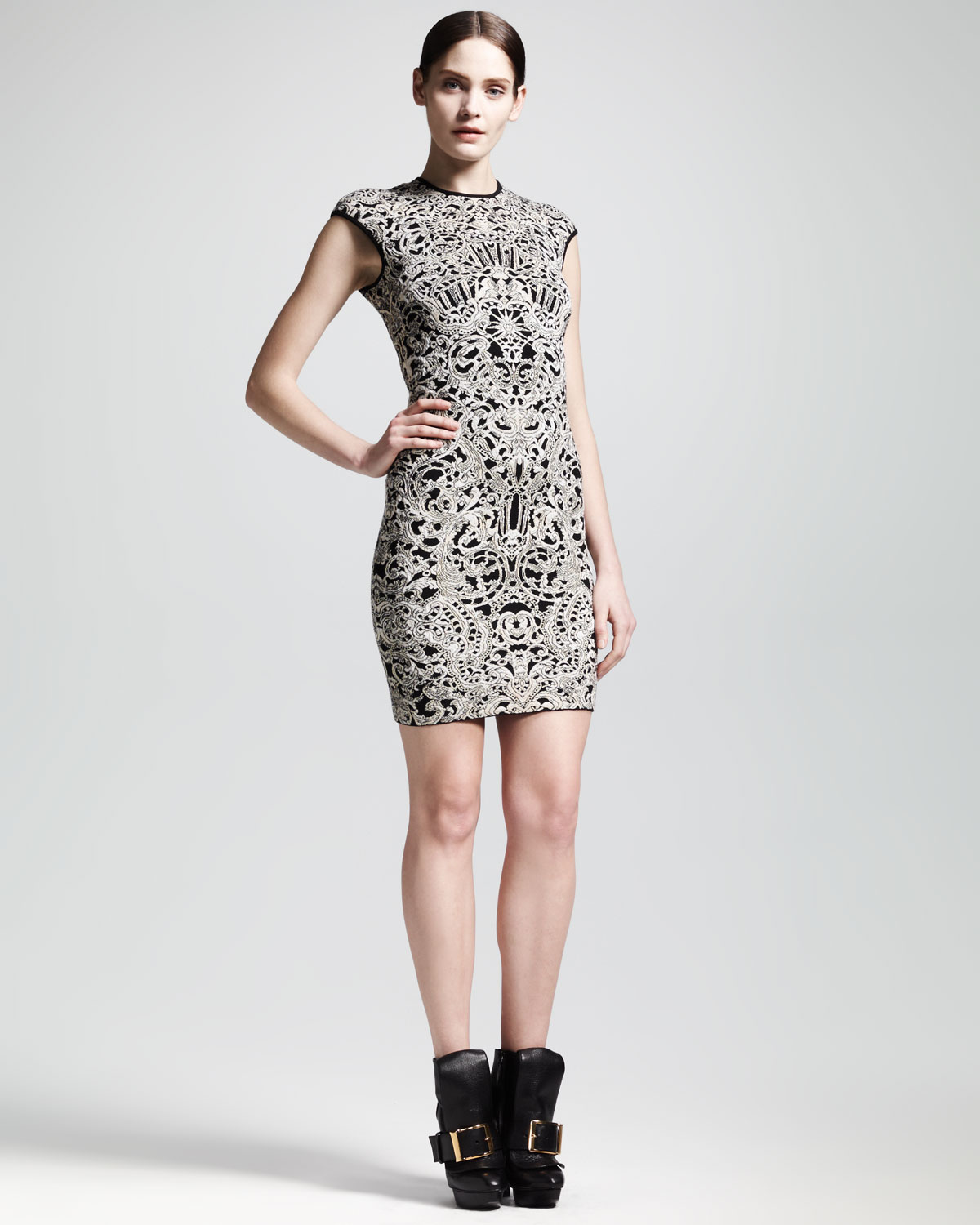 Alexander Mcqueen Capsleeve Puckered Jacquard Sheath Dress