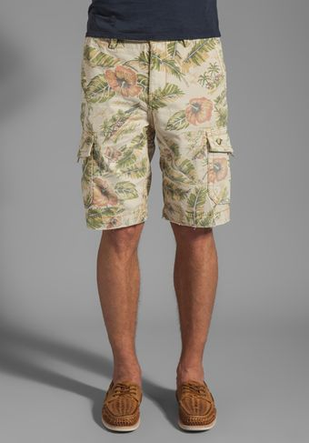 True Religion Hawaiian Trooper Cargo Short in Beige - Lyst