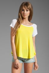 Splendid Drapey Lux Baseball Tee in Lemon - Lyst