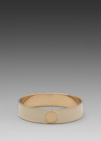 Marc By Marc Jacobs Classic Marc Enamel Disc Bangle in Cream - Lyst