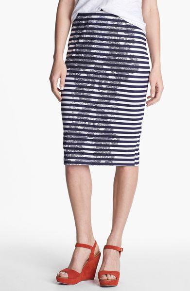 bobeau print ponte knit pencil skirt in blue navy white