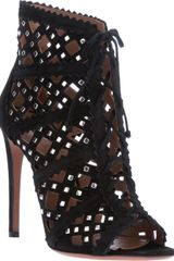 Alaïa Studded Cut Out Pump - Lyst